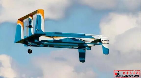 亚马逊新专利:快递包裹靠降落伞从无人机飘到你家里