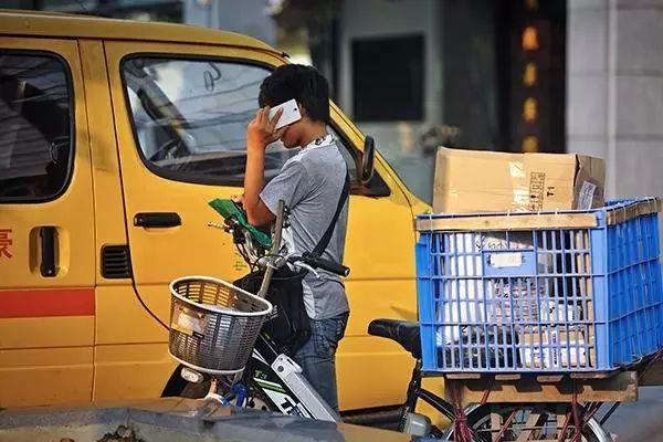 一个快递员的自述:为什么很多快递不送上门?